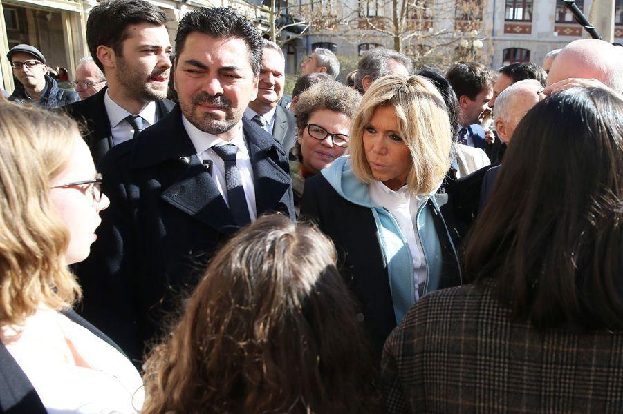 Brigitte Macron au lycée Carnot de Dijon.