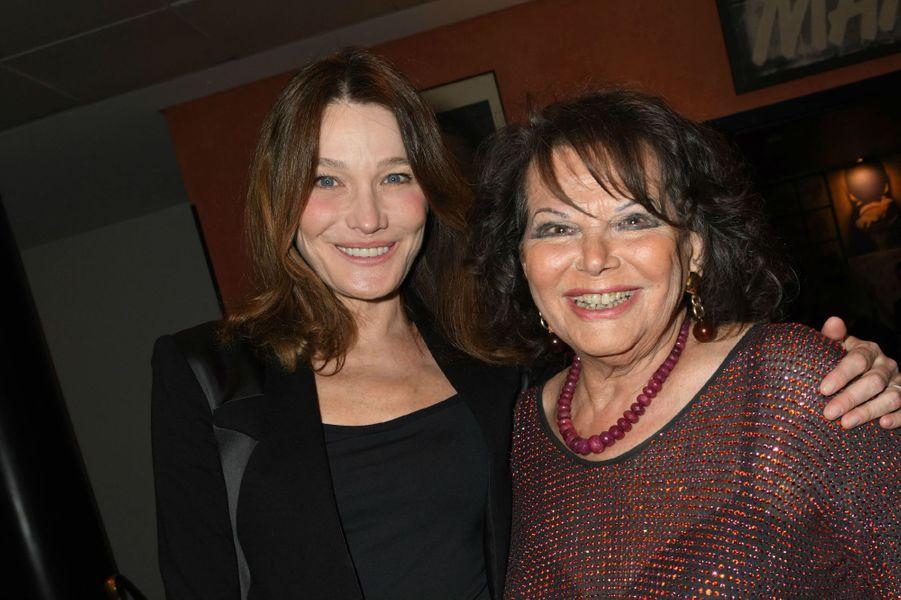 Carla Bruni et Claudia Cardinale, lundi soir à l'Olympia.