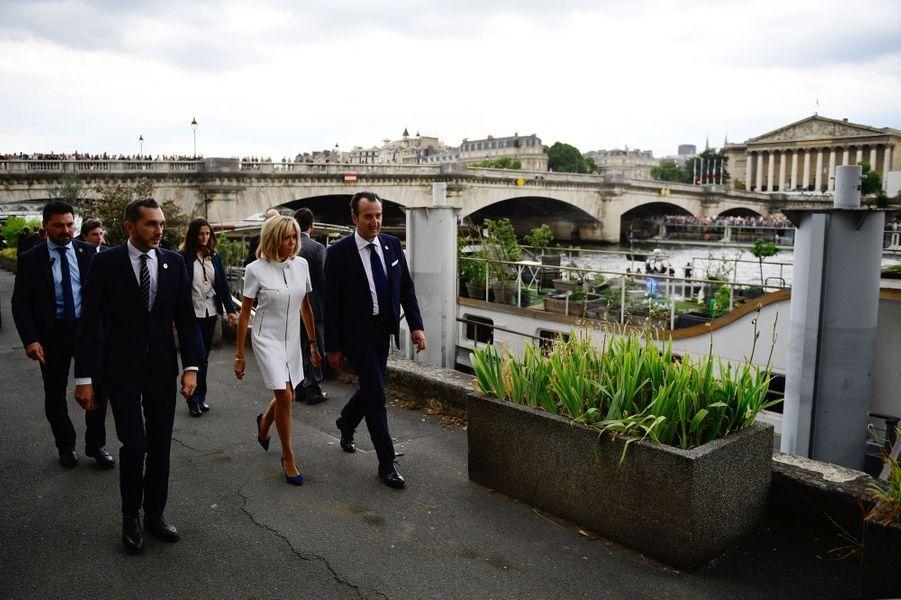 Brigitte Macron après sa croisière sur la Seine avec Melania Trump.