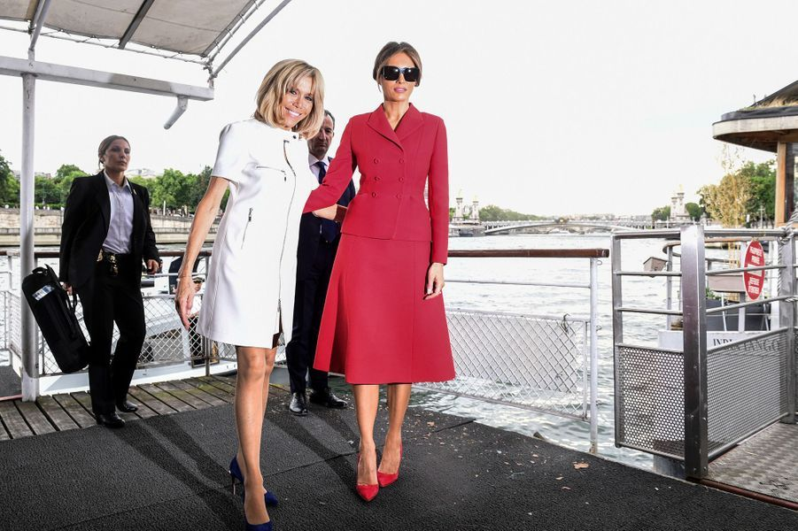 Melania Trump et Brigitte Macron ont fait une croisière sur la Seine, jeudi après-midi.