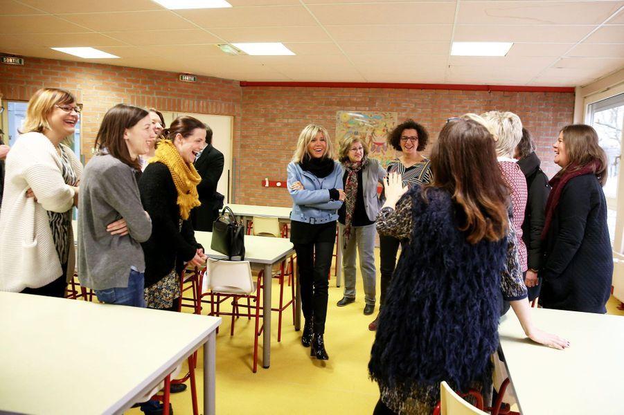 Brigitte Macron en visite dans une école d'Hellemmes, dans la banlieue de Lille.