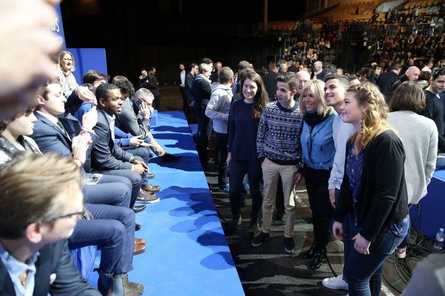 Brigitte Macron lors du meeting du fondateur d'En Marche! au Zenith de Lille.