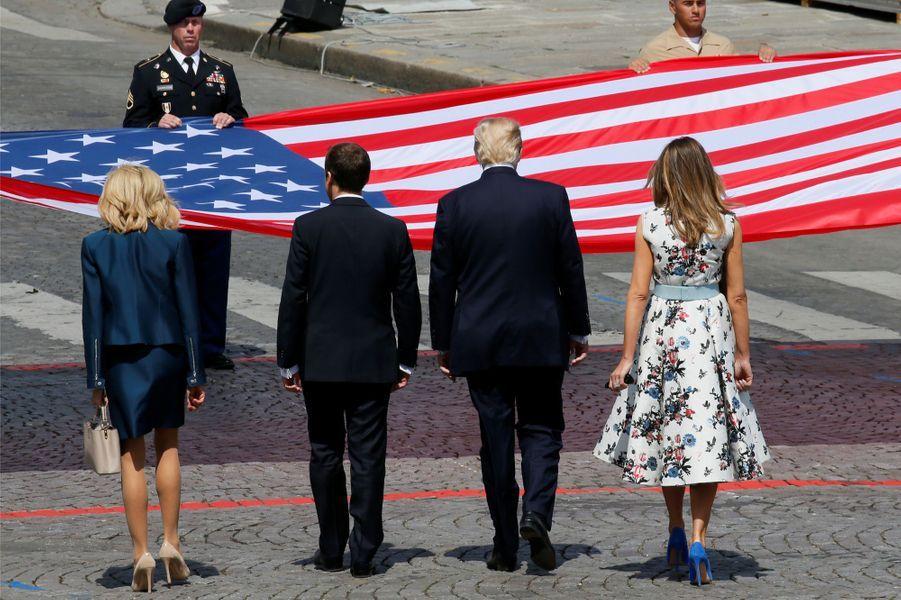 Emmanuel et Brigitte Macron, place de la Concorde, aux côtés de Melania et Donald Trump