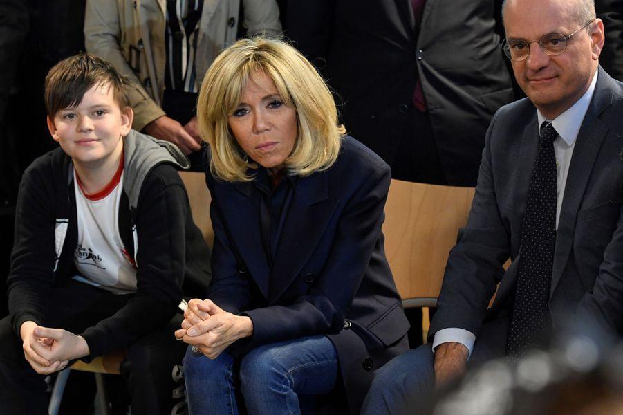 Brigitte Macron et Jean-Michel Blanquer aucollège des Petits Ponts à Clamart pour évoquer la lutte contre le harcèlement scolaire.