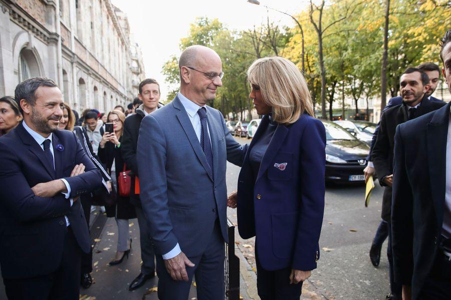 Jean-Michel Blanquer et Brigitte Macronau collège Chaptal, à Paris,à l'occasion de la Journée nationale de lutte contre leharcèlementscolaire.