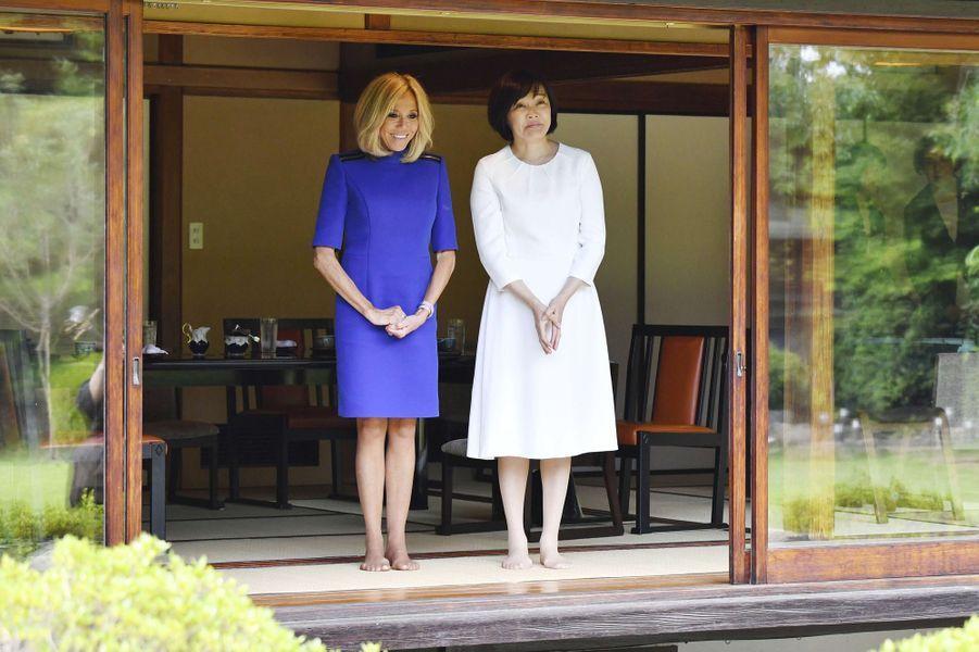 Brigitte Macron et Akie Abe.