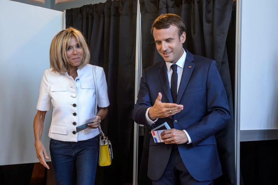 Brigitte et Emmanuel Macron votent au Touquet, pour le premier tour des Législatives le 11 juin.