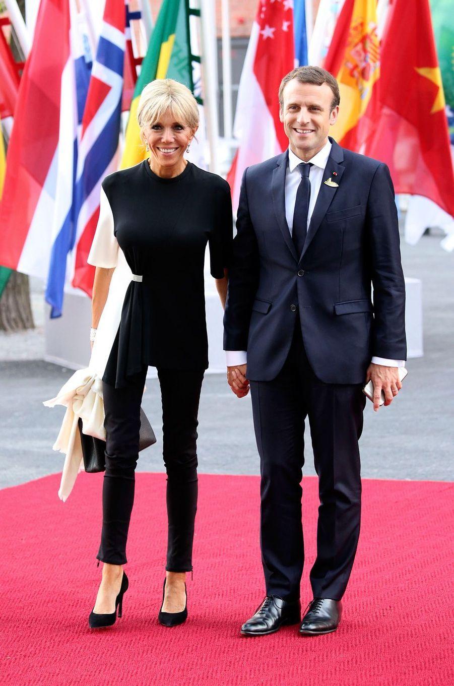 En marge du G20, Emmanuel et Brigitte Macron assistent à un concert à Hamburg, le 7 juillet 2017.