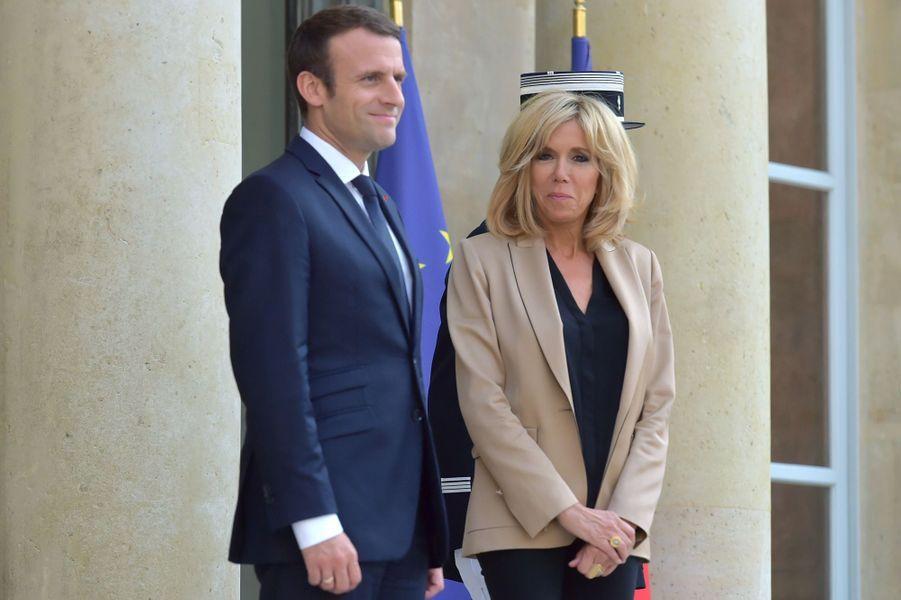 Le président et son épouse, sur le perron de l'Elysée le 8 juillet 2017.