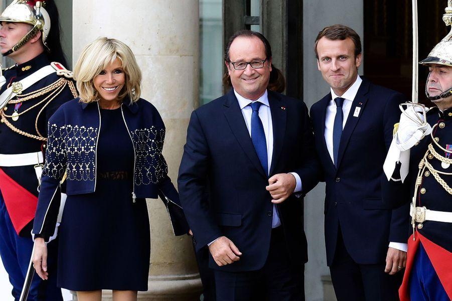 Brigitte Macron, François Hollande et Emmanuel Macron à l'Elysée pour fêter le succès de Paris 2024,le 16 septembre 2017