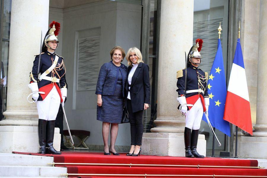 Brigitte Macron reçoit à l'Elysée Nadia Aoun,la Première dame libanaise,le 25 septembre 2017.