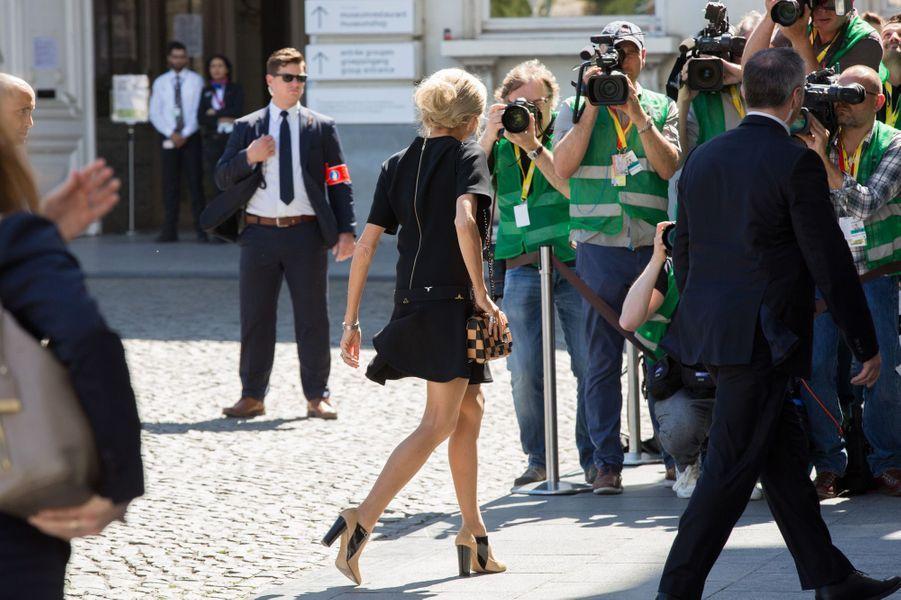 Brigitte Macron le 25 maià Bruxelles son premier déplacement international en tant qu'épouse du chef de l'Etat.