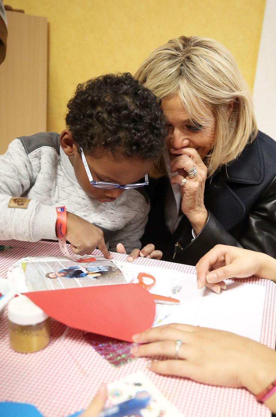 Visite à Nantes d'un centre de loisirs, où enfants handicapés et valides se côtoient toute l'année.
