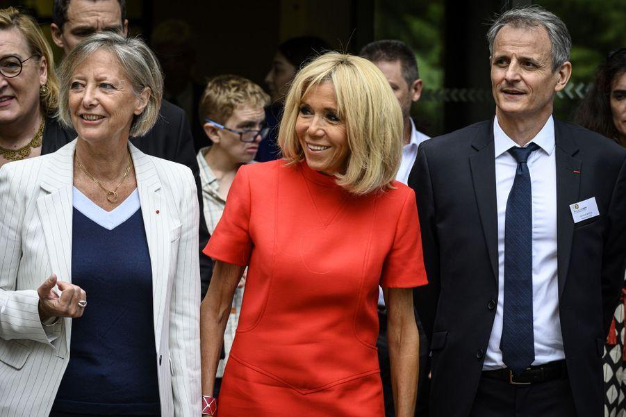 Accompagnée de Sophie Cluzel, Brigitte Macron inaugure une «maison du répit» mardi, àTassin-la-Demi-Lune , dans la métropole de Lyon.