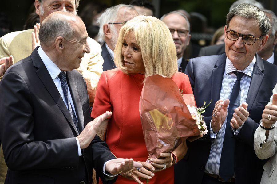 Brigitte Macron aux côtés de Gérard Collomb et David Kimelfeld mardi à Tassin-la-Demi-Lune, près de Lyon.