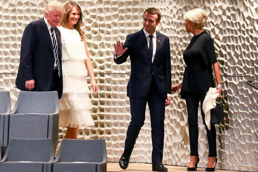 Les Macron et les Trump avant leconcert à la nouvelle Philharmonie de l'Elbe.