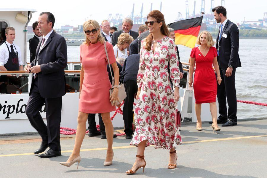 Brigitte Macron et les Premières dames Juliana Awada (Argentine) et Lucy Turnbull (Australie) après une croisière.