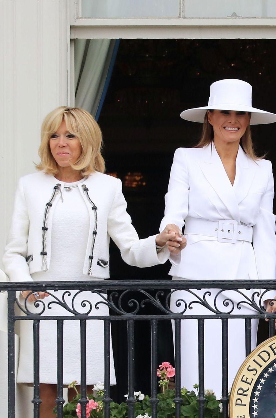 Melania Trump et Brigitte Macron à la Maison-Blanche lors de la cérémonie officielle d'accueildu couple présidentiel français,le 24 avril 2018.