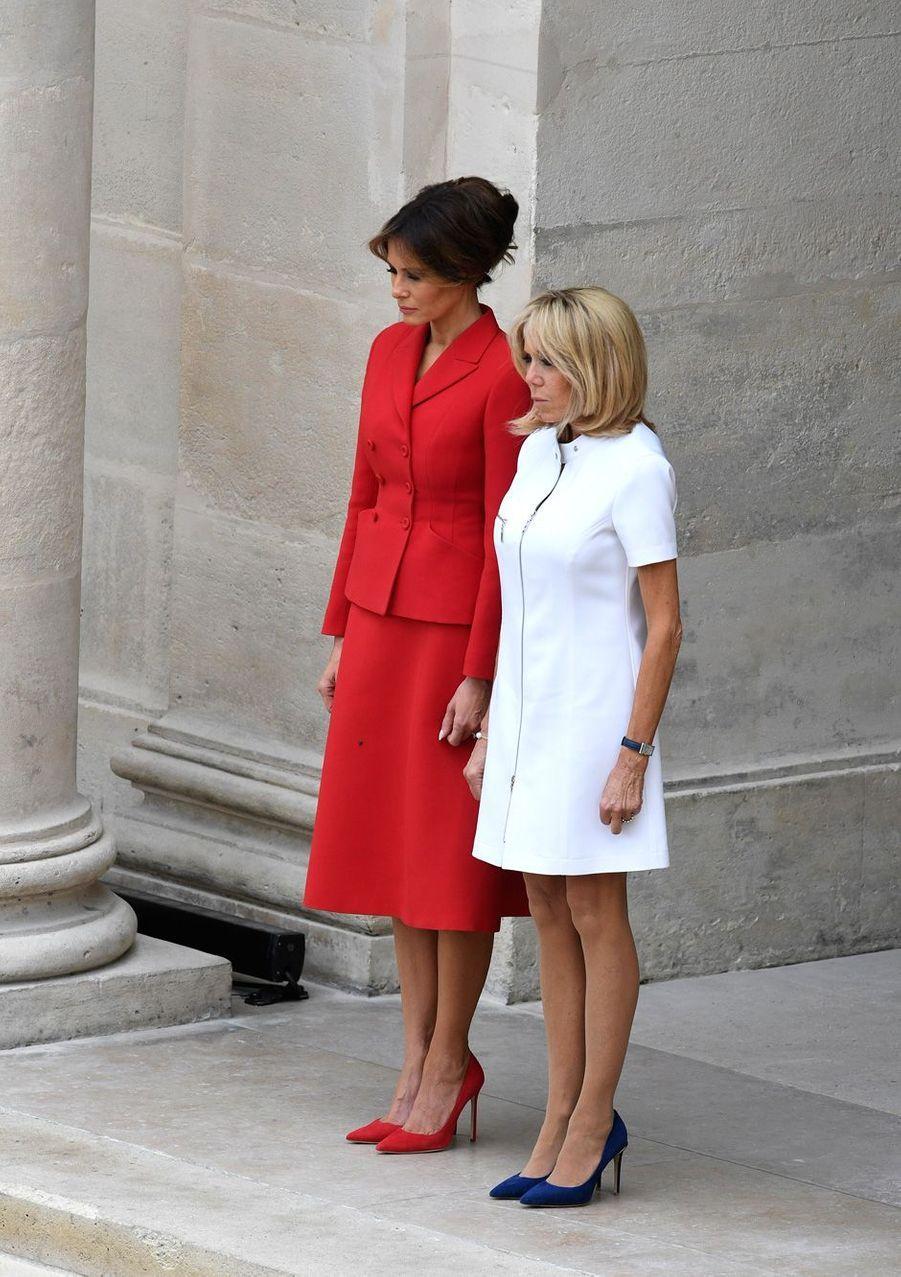 Melania Trump et Brigitte Macron aux Invalides à Paris le 13 juillet 2017.