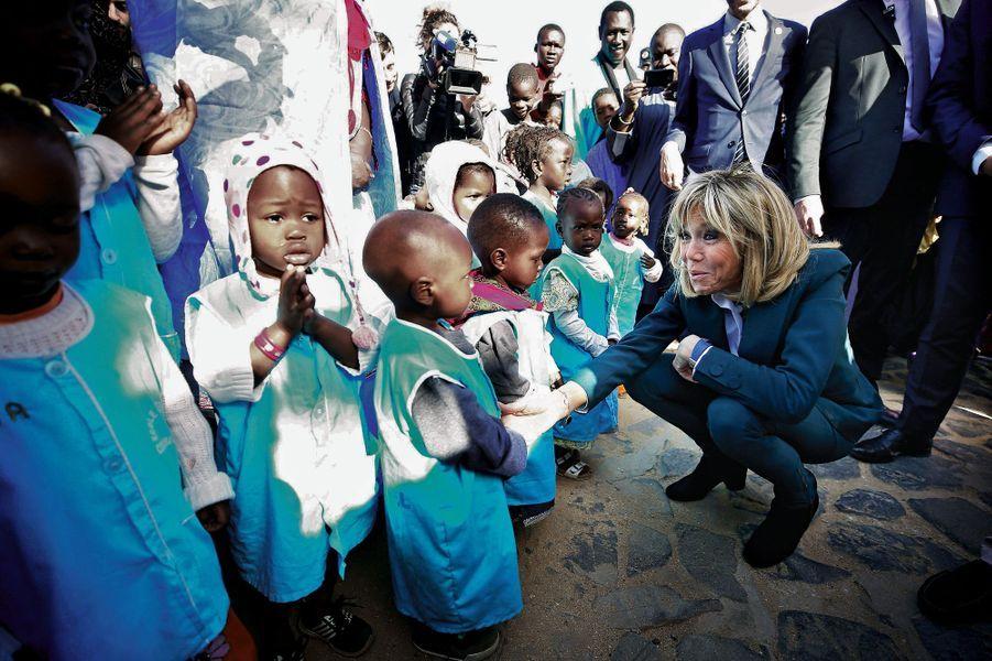 A Gorée, avec les enfants de la maison de soutien scolaire Keur Khadija, fondée par Valérie Schlumberger.