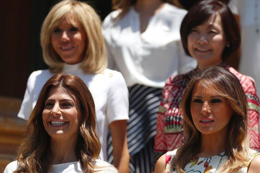 Brigitte Macron en compagnie desconjointes des dirigeants du G20 à la Villa Ocampo à San Isidro. au premier rang,la Première dame argentine Juliana Awada et Melania Trump.