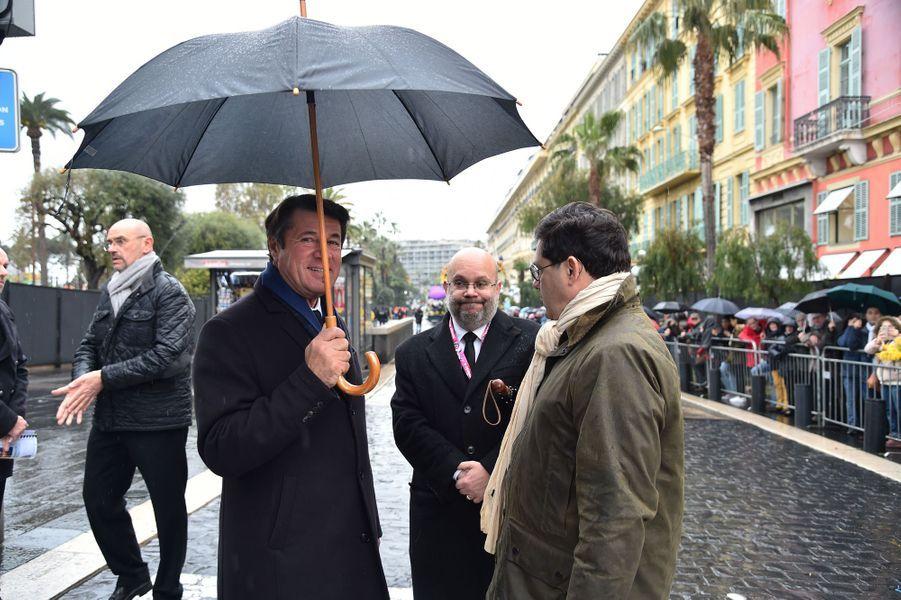 Christian Estrosi samedi à la première bataillede fleurs du Carnaval de Nice.