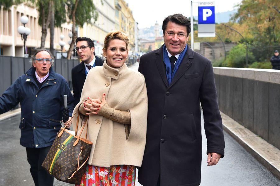 Christian Estrosi et son épouse Laura Tenoudji samedi à la première bataillede fleurs du Carnaval de Nice.