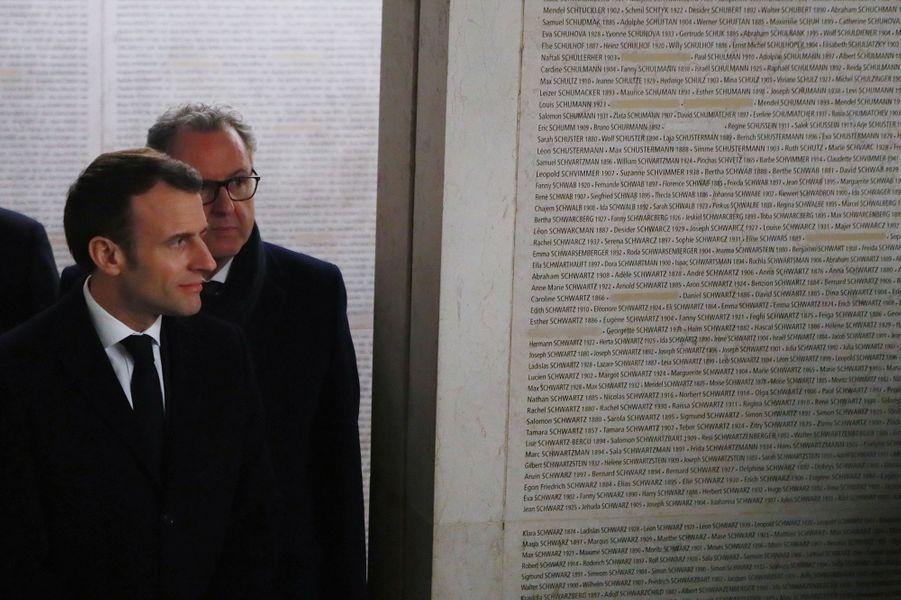 Gerard Larcher, Emmanuel Macron et Richard Ferrand au mémorial de la Shoah, mardi 19 février.