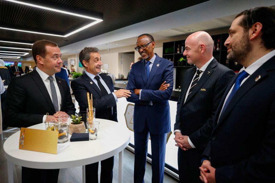 Dmitri Medvedev avec Nicolas Sarkozy, Paul Kagame, Gianni Infantino et le Premier ministre du Liban, Saad Hariri.