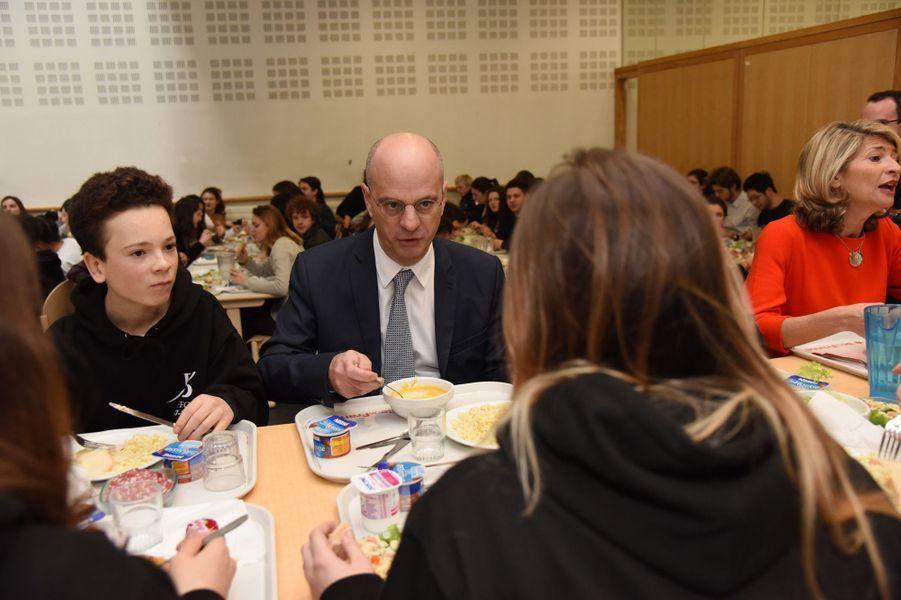 Le ministre de l'Education nationaleJean-Michel Blanquer lundiau lycée Buffon pour le lancement de Parcoursup.