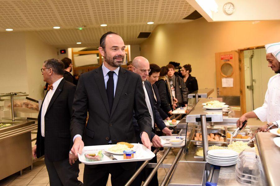 Edouard Philippe, avecJean-Michel Blanquer et Frédérique Vidal, lundiau lycée Buffon pour le lancement de Parcoursup.