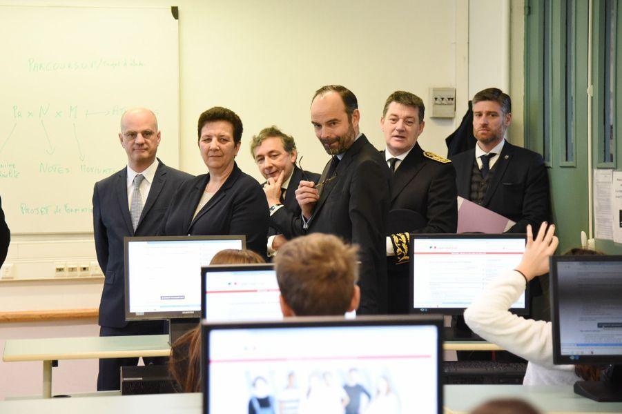 Edouard Philippe, Jean-Michel Blanquer et Frédérique Vidal lundiau lycée Buffon pour le lancement de Parcoursup.