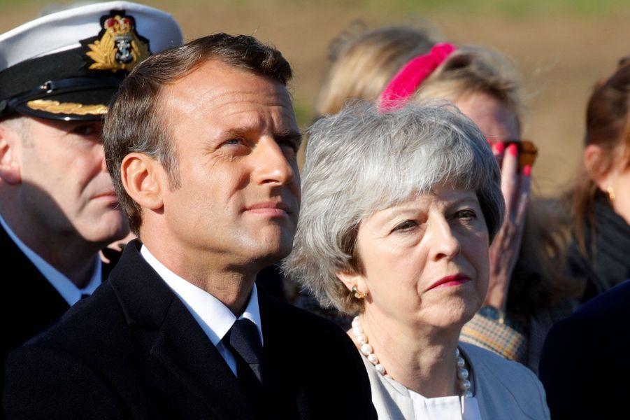 Theresa May et Emmanuel Macron àVer-sur-Mer.