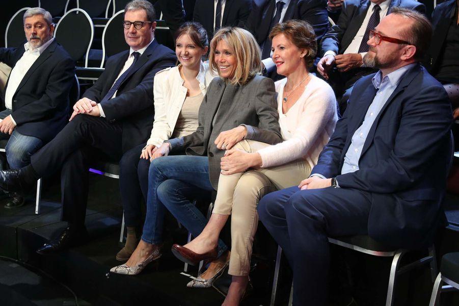 Brigitte Macron avant le débat.
