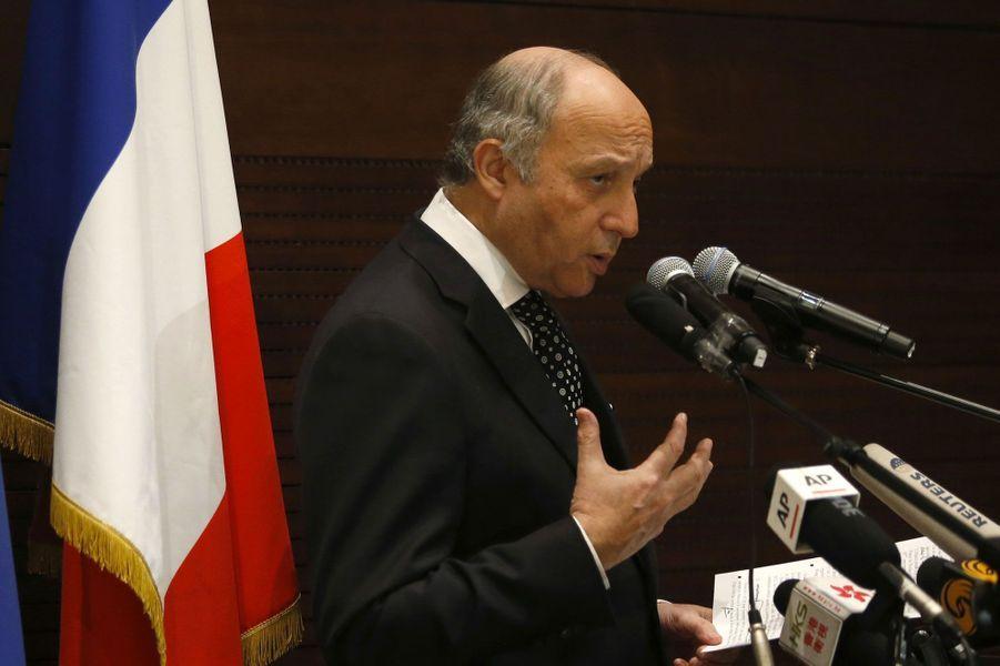 Laurent Fabius reste ministre des Affaires étrangères. Son portefeuille intègre également le Développement international.