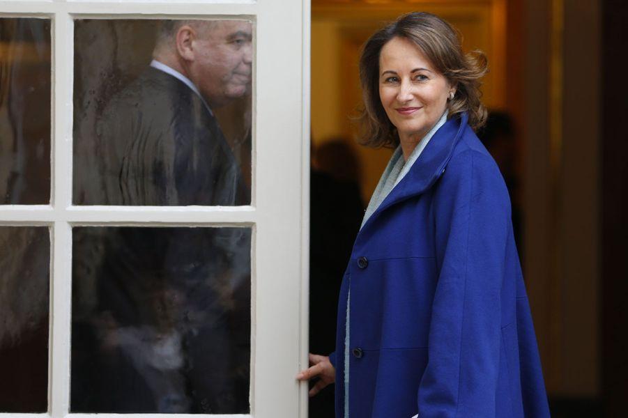 Lesecrétairegénéral de l'Elyséea annoncé mercredi matin le nom des nouveaux ministres qui composeront désormais le gouvernement.La présidente de la région Poitou-Charentes devient ministre de l'Ecologie, du développement durable et de l'énergie.