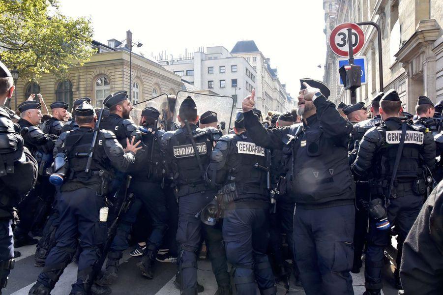 Des manifestations ont eu lieu lors du discours d'Emmanuel Macron à La Sorbonne.