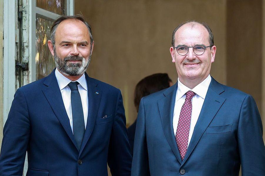 Jean Castex est accueilli par Edouard Philippe à Matignon.