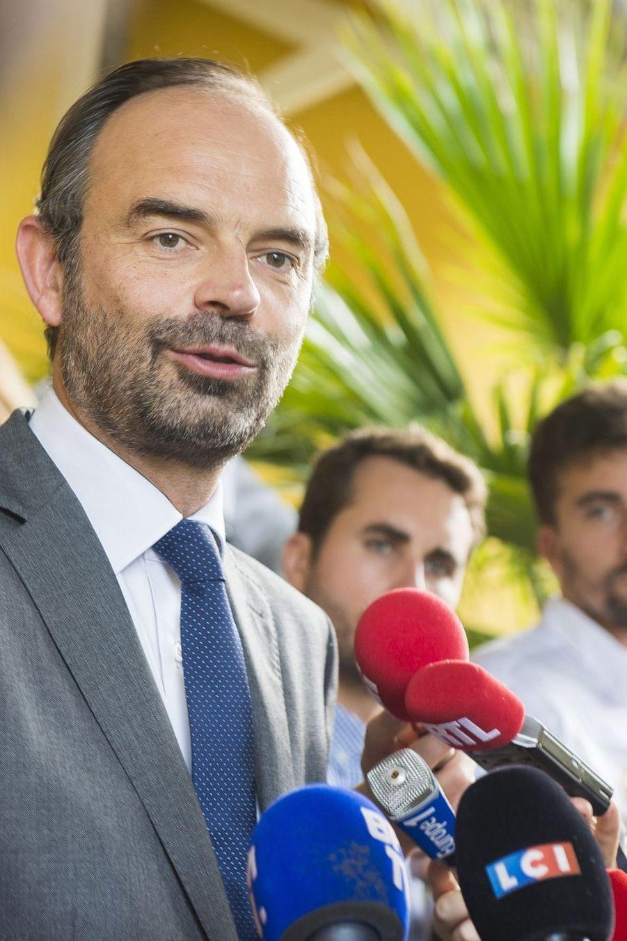"""Édouard Philippe Aux Antilles Pour """"effacer Les Cicatrices"""" D'Irma Et Maria 11"""