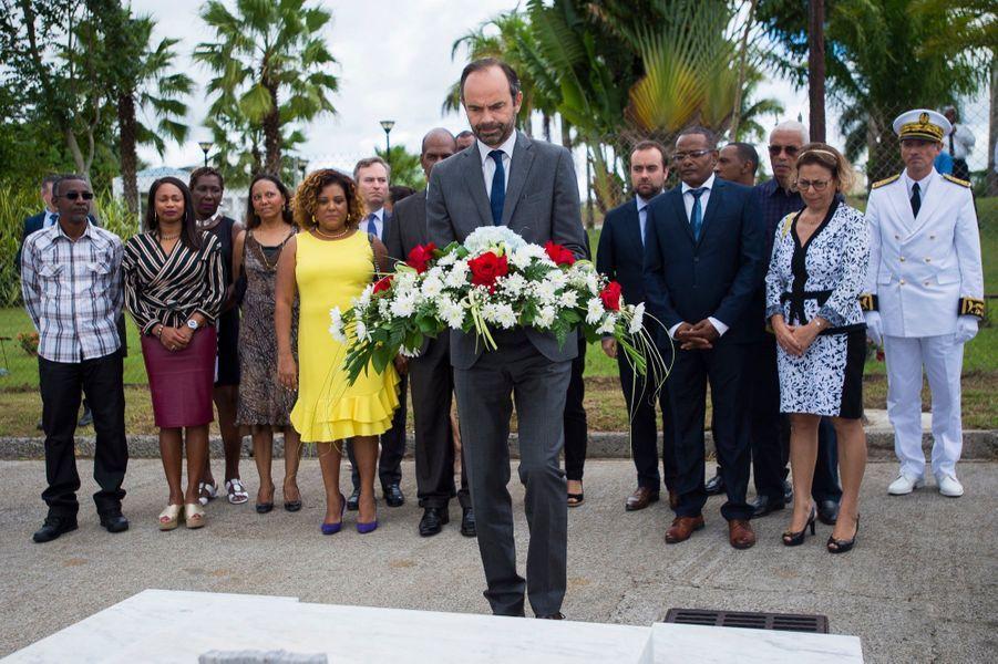 """Édouard Philippe Aux Antilles Pour """"effacer Les Cicatrices"""" D'Irma Et Maria 15"""