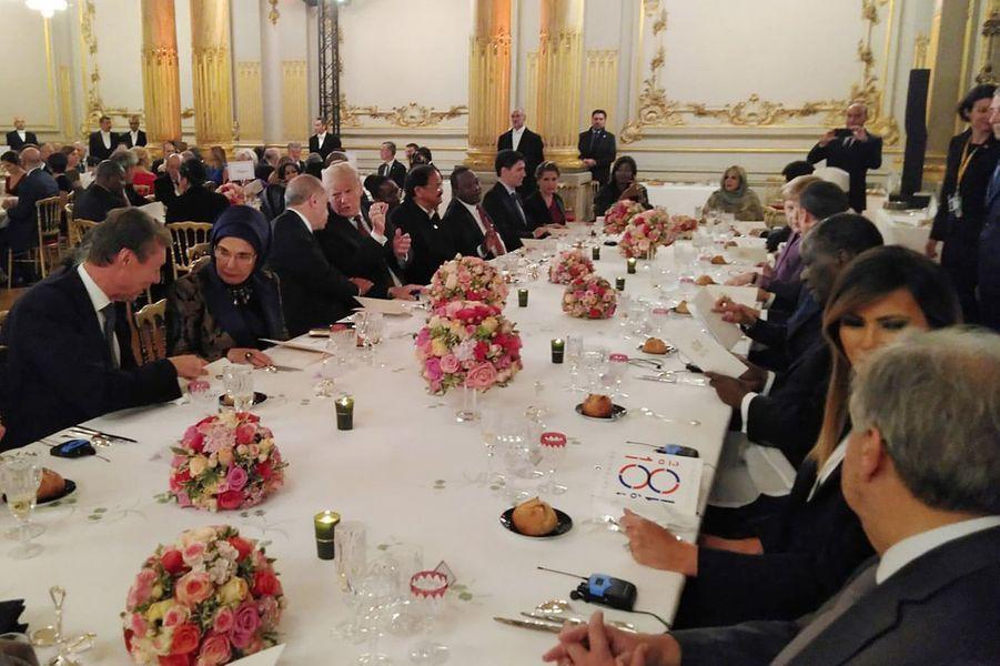 La table d'honneur du diner d'Etat