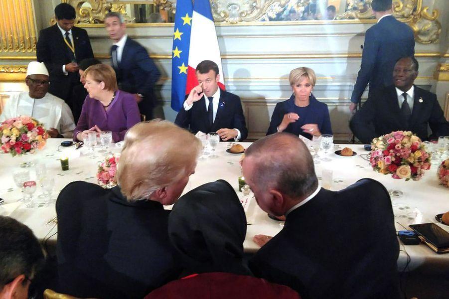 La table d'honneur du diner d'Etat.