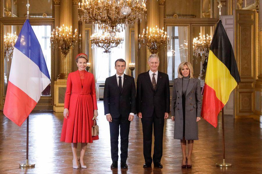 Emmanuel et Brigitte Macron, le roi Philippe et la reine Mathilde au palais royal de Bruxelles.