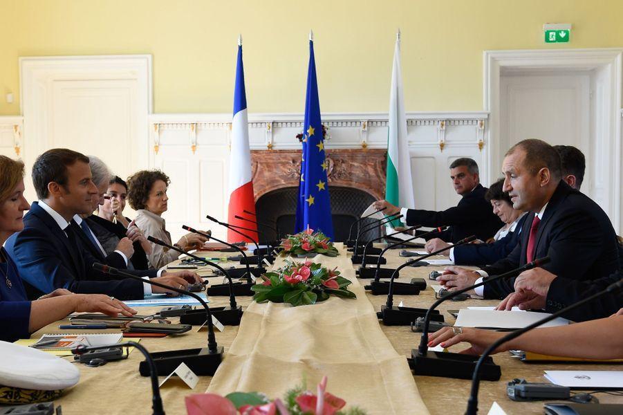 Entretien entreEmmanuel Macron et son homologue bulgare Rouman Radev.