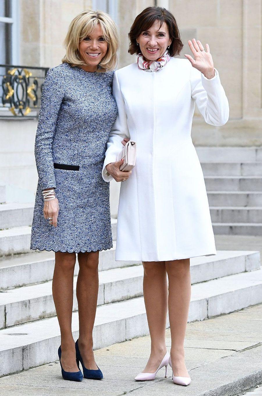 Brigitte Macron et CarmenIohannis à l'Elysée.