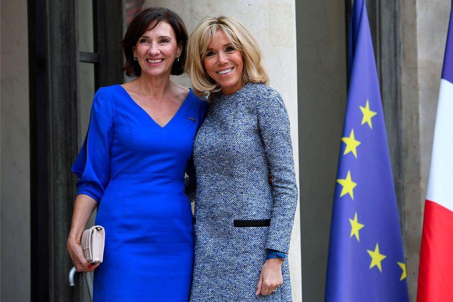 Brigitte Macron et CarmenIohannisà l'Elysée.