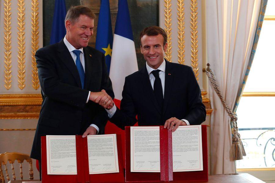 Klaus Werner Iohannis et Emmanuel Macron à l'Elysée.
