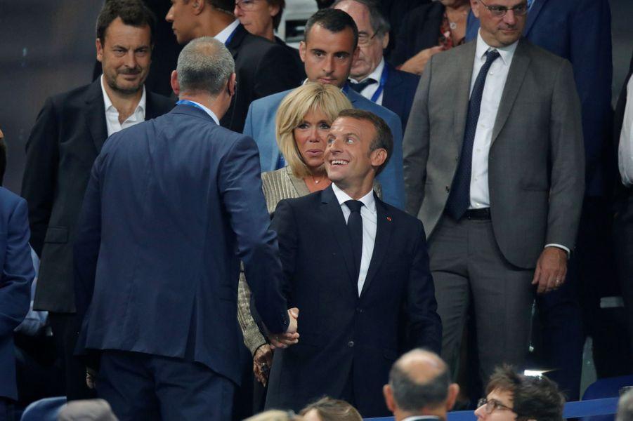 Emmanuel et Brigitte Macron au Stade de France dimanche.