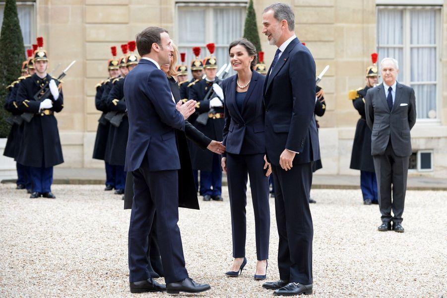 Emmanuel et Brigitte Macronont reçu mercredi à l'Elysée le roi Felipe et la reine Letizia pour un déjeuner.