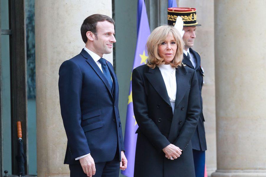 Emmanuel Macron et son épouse Brigitte reçoivent à l'Elyséele Roi et la Reine d'Espagne.